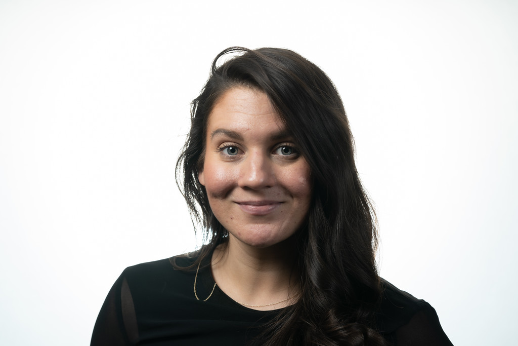 Portrait photo of Leila Zafar
