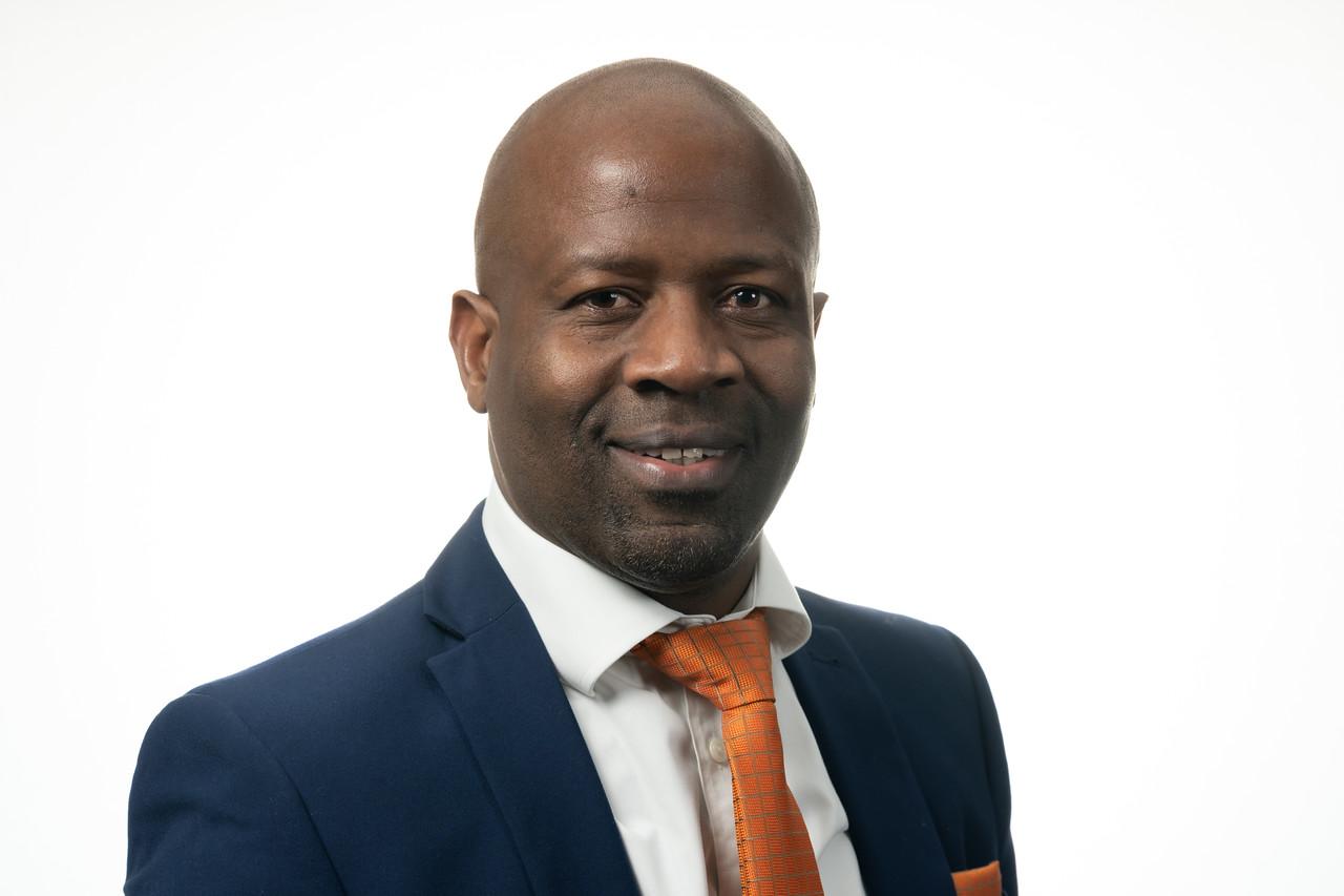 Portrait photo of Tembi Ndlovu